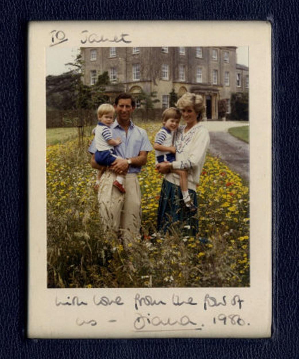 Diana és Károly a gyermekeikkel