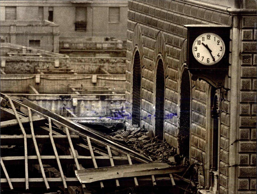 A Bolognai Főpályaudvar órája