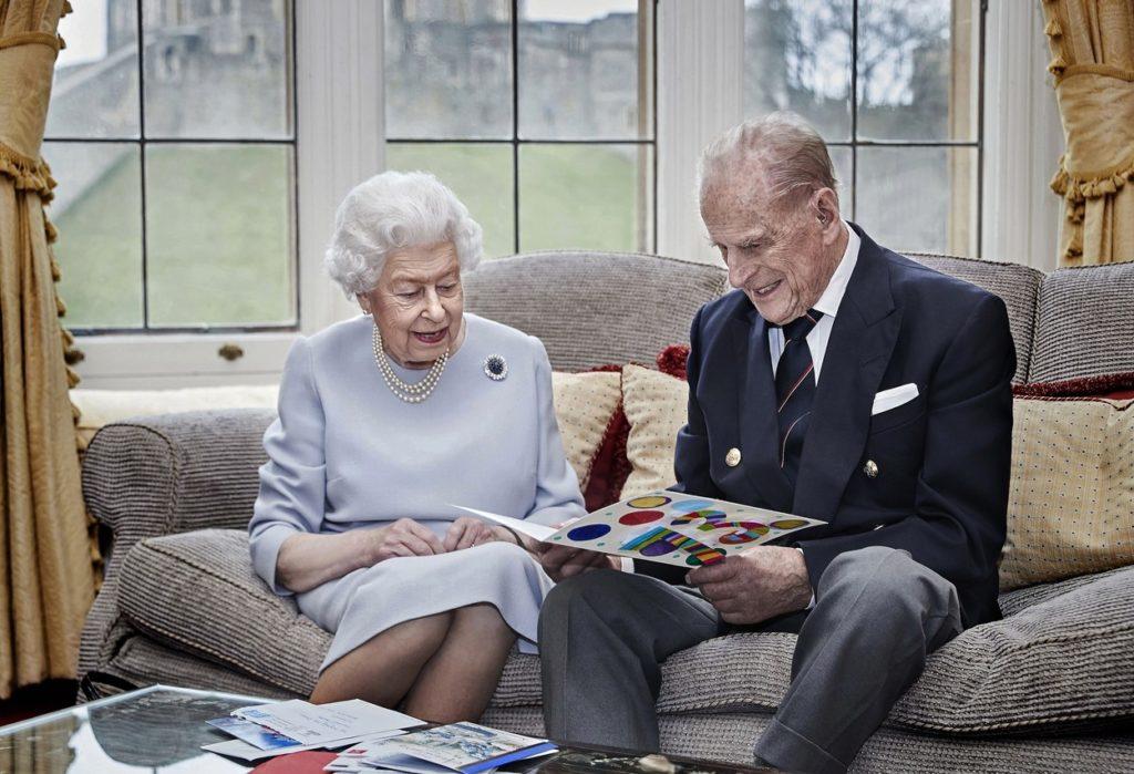 II. Erzsébet és Fülöp herceg a 73. házassági évfordulójukon