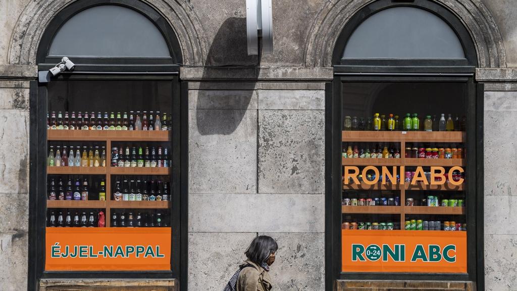 Bezárthatnak a non-stop boltok a kijárási korlátozás miatt