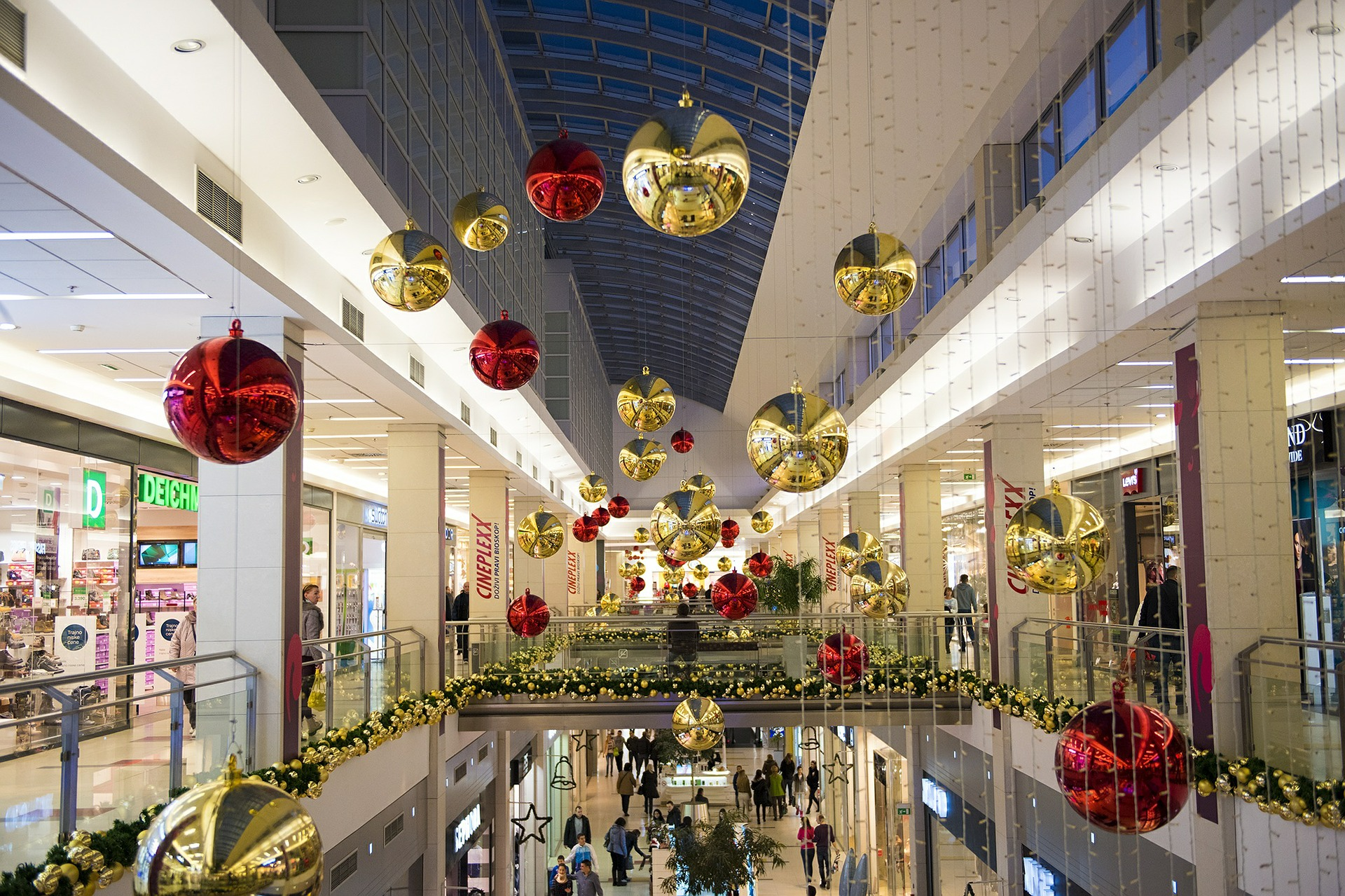 Bevásárlóközpont karácsonykor