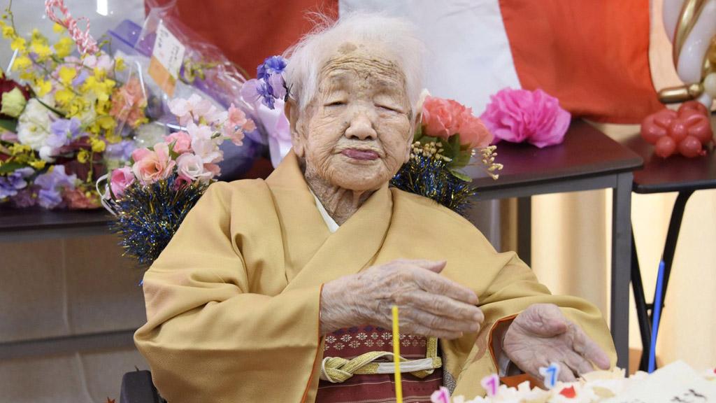 A világ legidősebb embere, Tanaka Kane a 117-ik születésnapját ünnepli