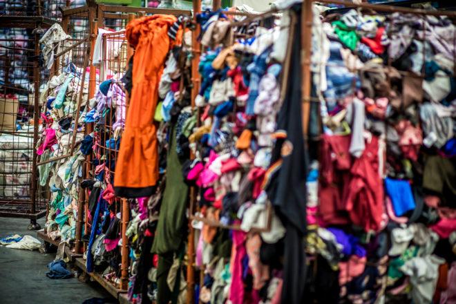 Mi legyen a használt ruháinkkal?