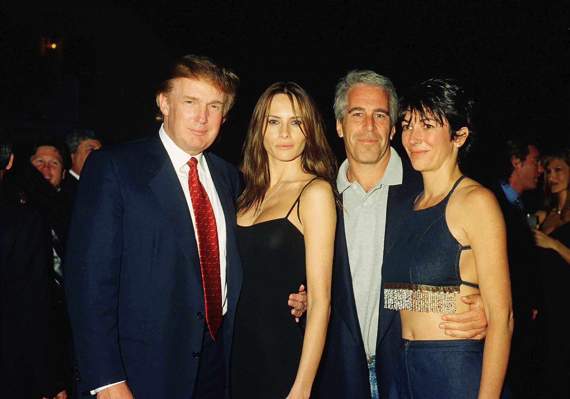 Donald Trumpék és Jeffrey Epsteinék 2000-ben (fotó: Davidoff Studios/Getty Images)