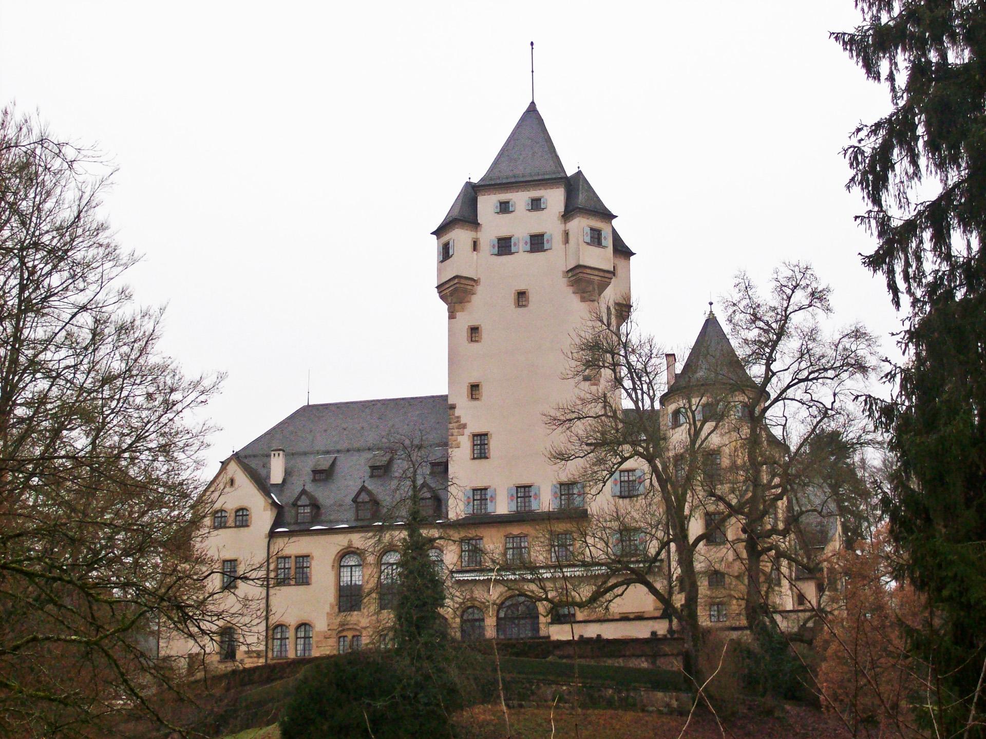 Az épület még a második világháború után lett Henrik nagyherceg nagyanyjának, Saroltának az otthona