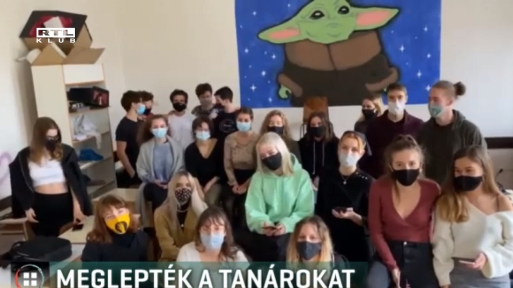 Alternatív Közgazdasági Gimnázium videója