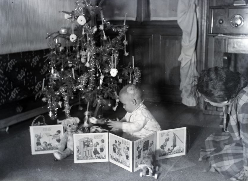 Telitalálat volt az ajándék, 1932