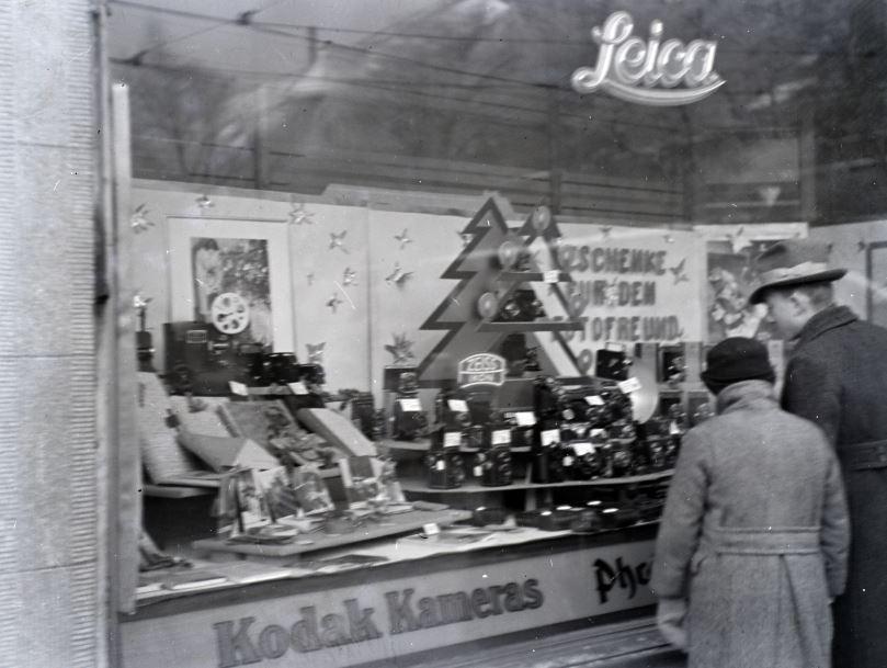 Nézelődés a Kodak kirakatában