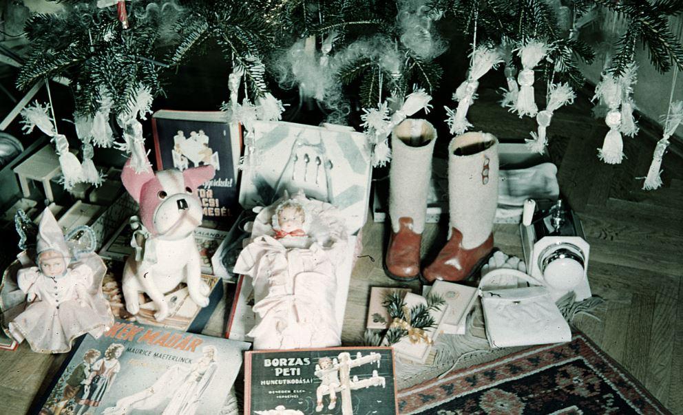 Karácsonyi ajándékok 1940-bőlFotó: Fortepan / Miklós Lajos