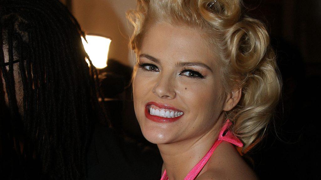 Bájos tini lett Anna Nicole Smith lánya