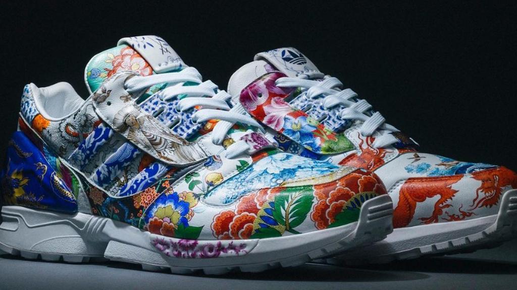 Porcelánból készült adidas cipő