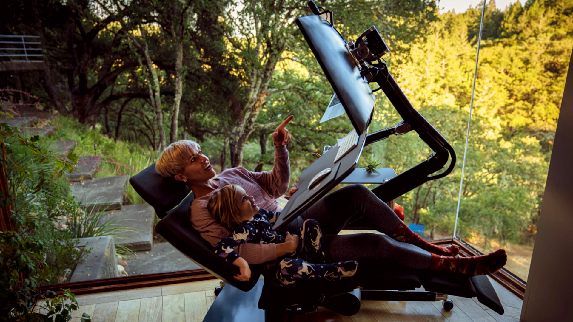 Lehidalsz ennek a futurisztikus irodai széknek az árától