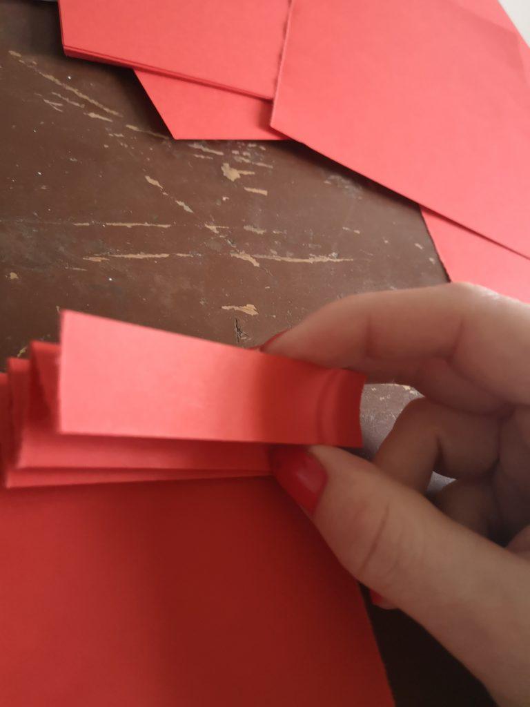 Angyal dekoráció papírból