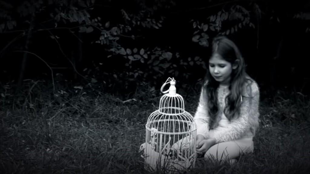 Elkészült a bántalmazott nőkért született dal, a Békejel videoklipje
