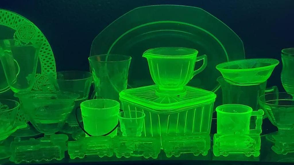Uránüvegek fénye