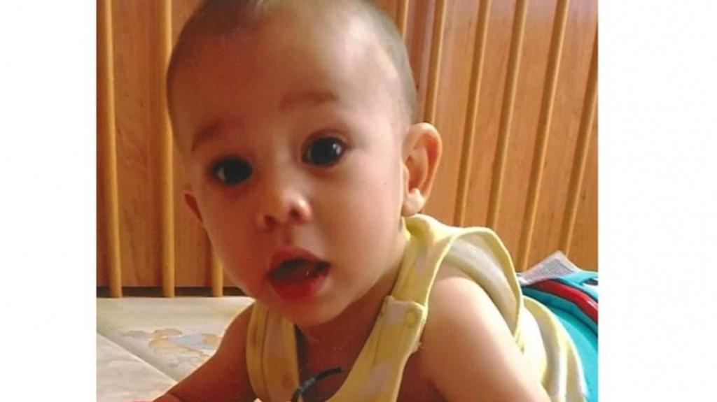 Mindenki a 10 hónapos Balog Adriánó Ticiánt keresi. (Fotó: Police.hu)