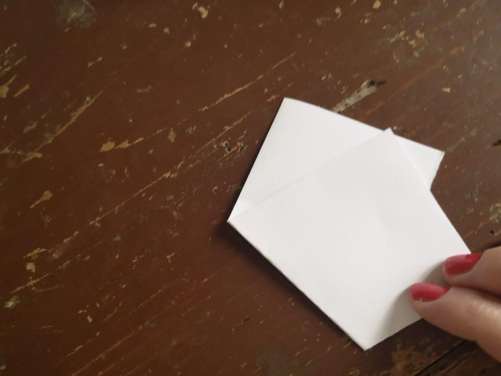 Csillag dekoráció papírból