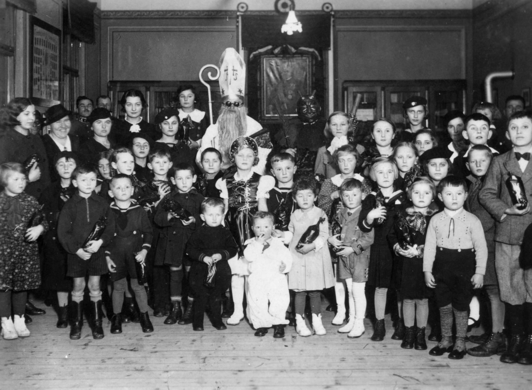 Mikulás 1936-ban