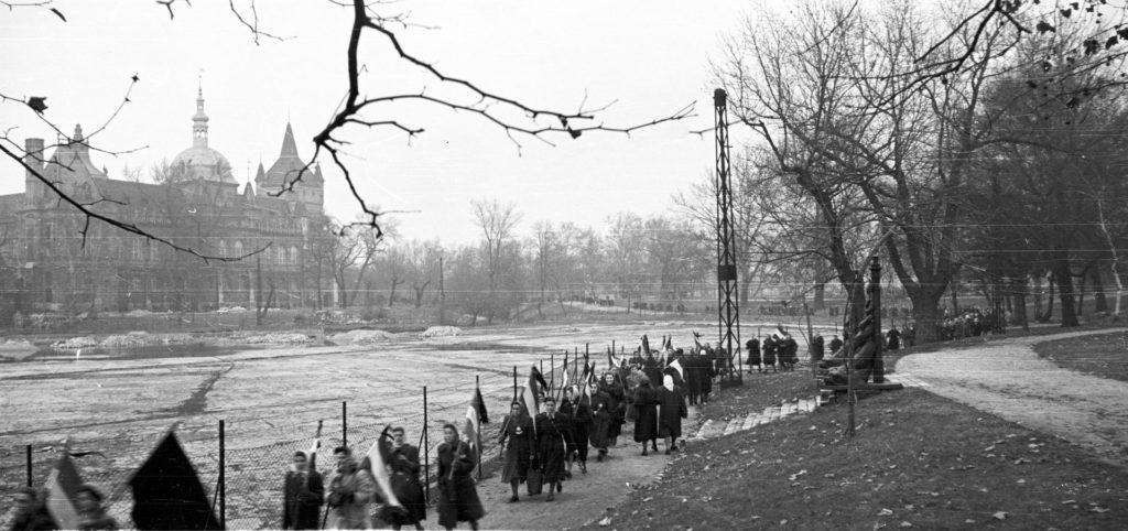 Magyar nők menete: mindenki sírt a Hősök terén