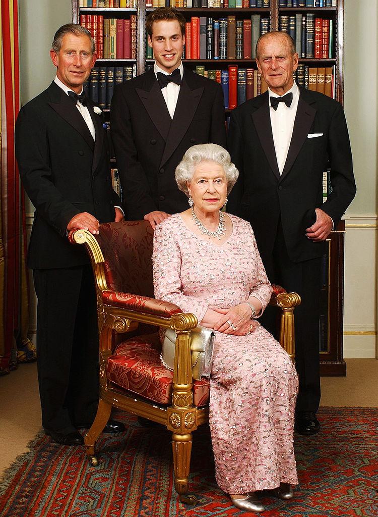 II. Erzsébet Fülöp herceggel, Károly herceggel és Vilmos herceggel