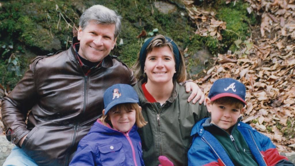 Barbara Hamburg a férjével és a gyerekeivel (fotó: HBO)