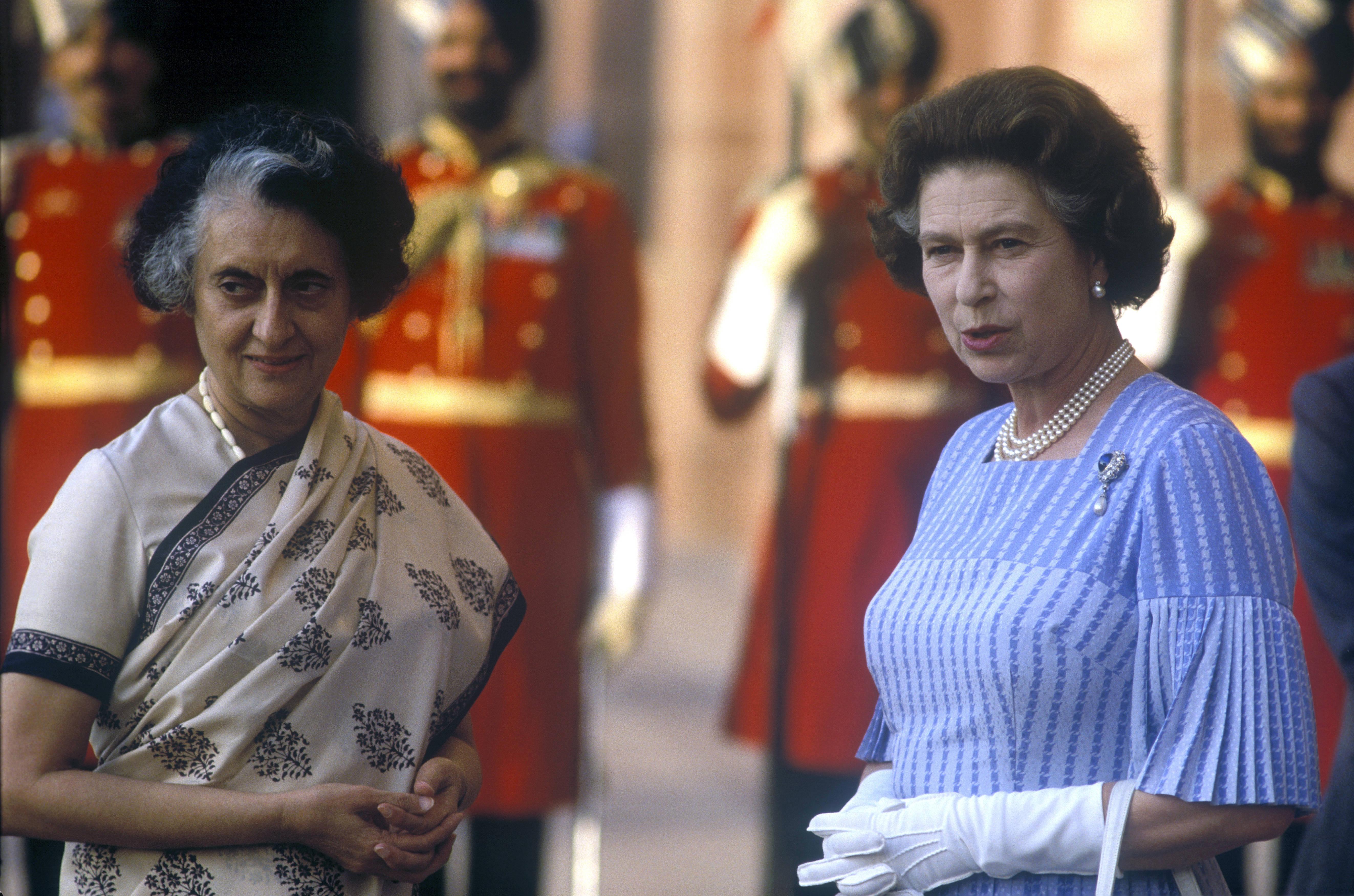 Indira Gandhi és II. Erzsébet királynő 1983-ban (fotó: John Shelley Collection/Avalon/Getty Images)