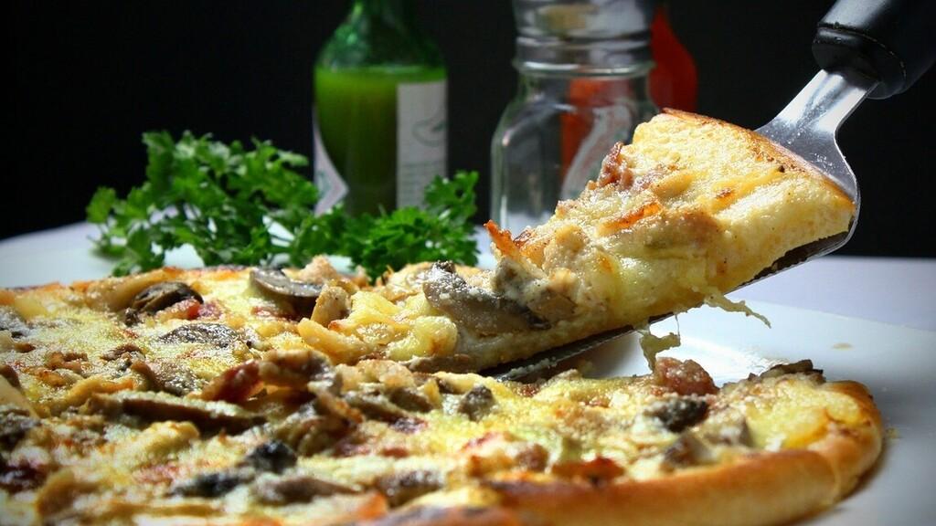 60 évre ingyen pizzát ajánl az ausztrál Domino, de van egy feltétel