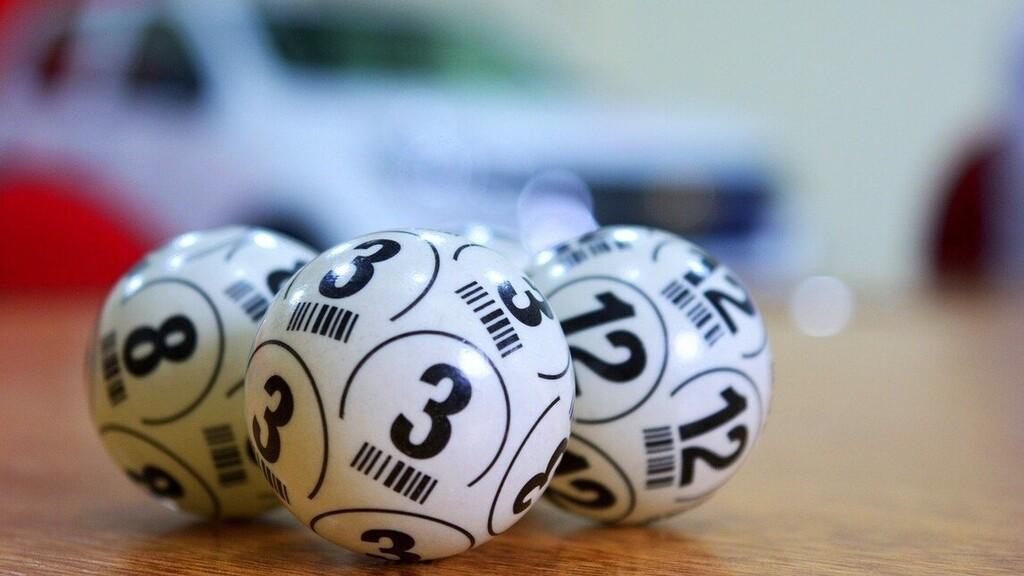 Közel 72 milliárd forintot nyertek a karácsonyi lottón egy spanyol cég dolgozói