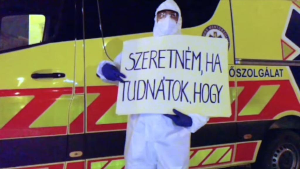 Megrázó videót tettek ki a mentők - ez az idei legnehezebb karácsonyuk