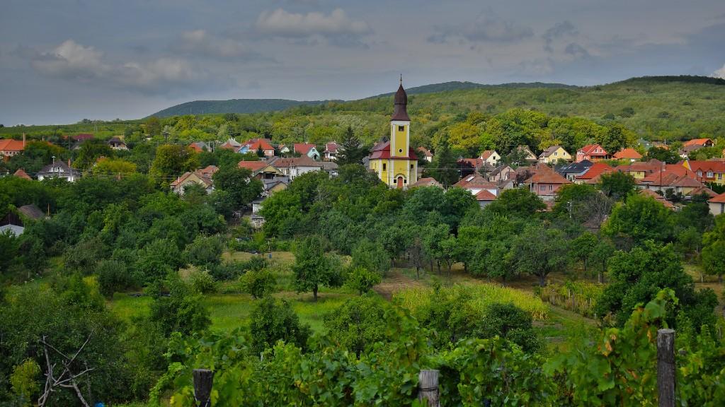 Egy idilli magyar falu látképe (fotó: Pixabay)