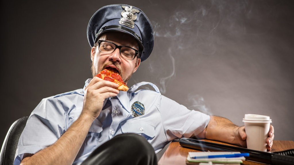 Futár helyett rendőr vitte házhoz a pizzát