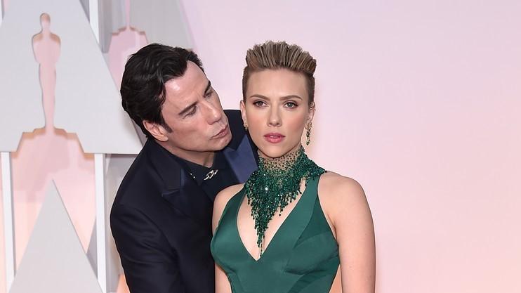 John Travolta és Scarlett Johansson a 87. Oscar-gálán