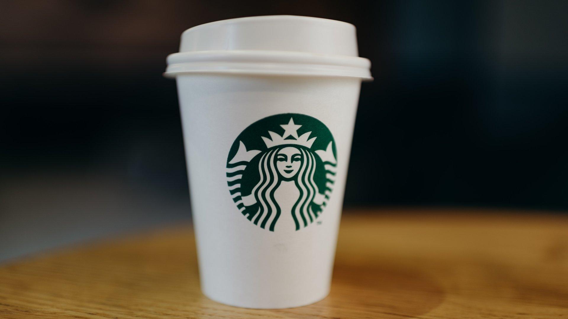 Starbucksos kávéspohár