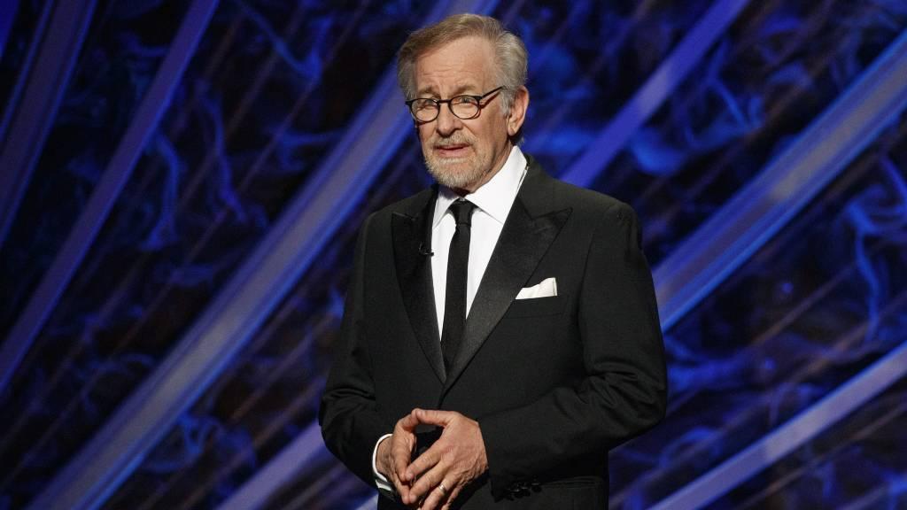 Steven Spielberget kis híján lelőtték