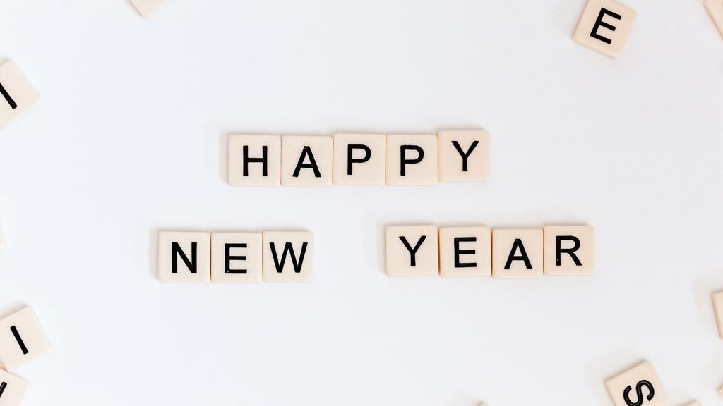 boldog új évet betűkockákból kirakva