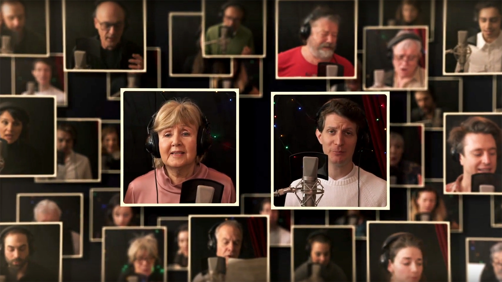 Közös énekléssel kívánnak boldog karácsonyt a Vígszínház művészei