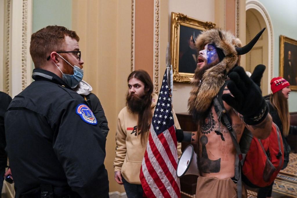 Trump hívők törtek be a Capitoliumba.