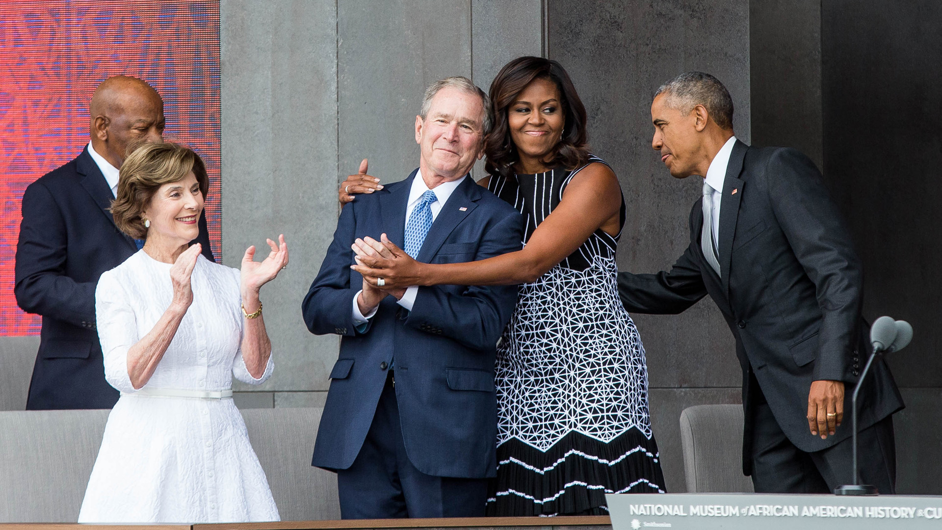 Michelle Obama és George W. Bush különös barátsága