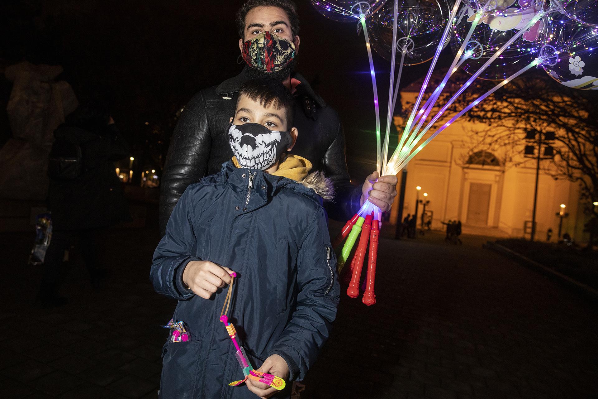 Leportréztuk a legjobb budapesti maszkokat: drog, perverz felirat, koponya és cuki állatkák a szöveten