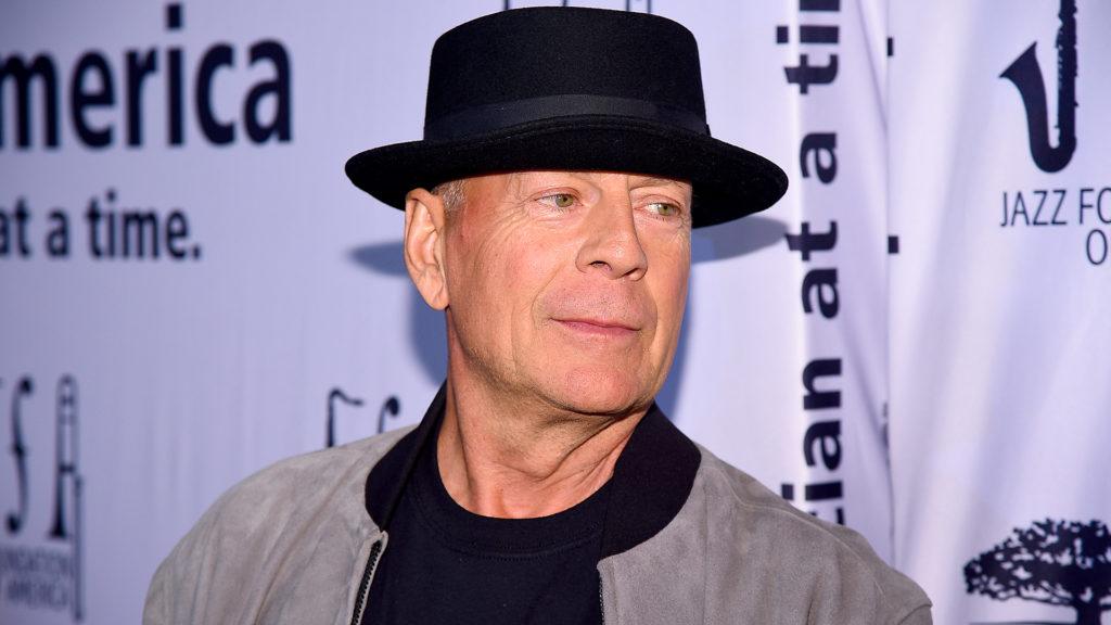 Bruce Willis nem volt hajlandó maszkot húzni