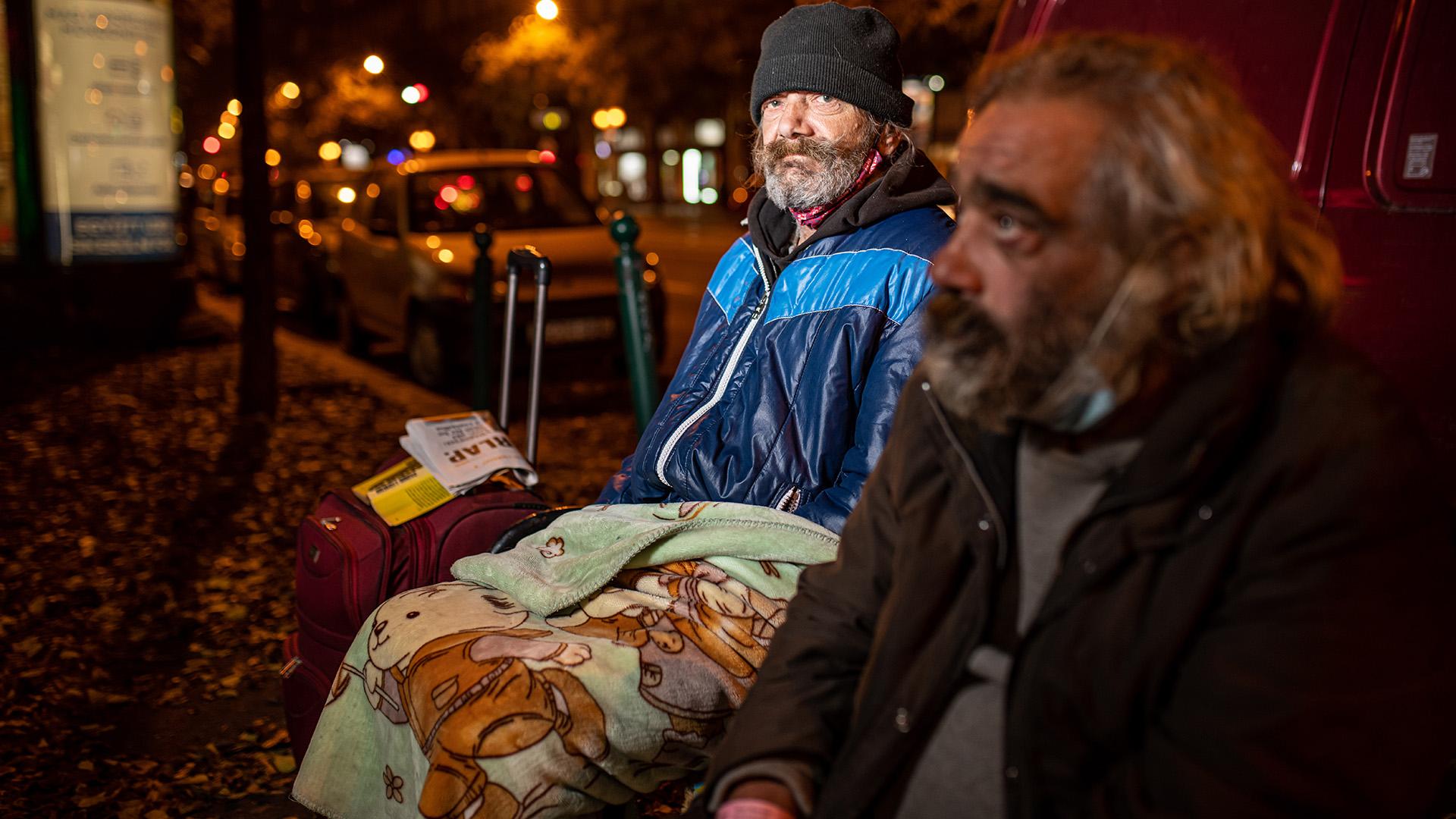 Hajléktalan ember pokróccal