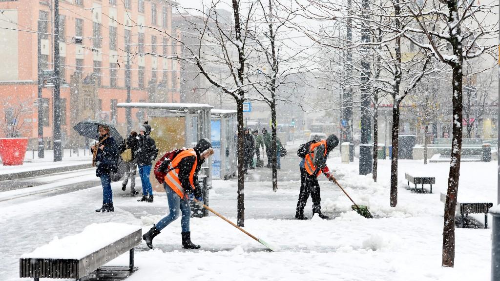 Országszerte havazik