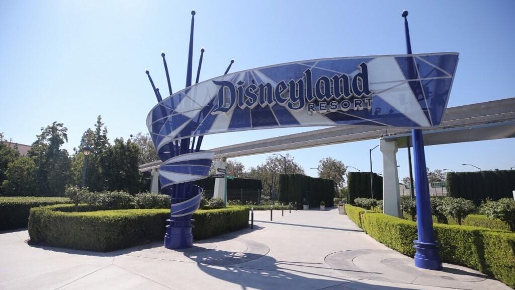 Hatalmas oltóközpont lesz Disneylandben