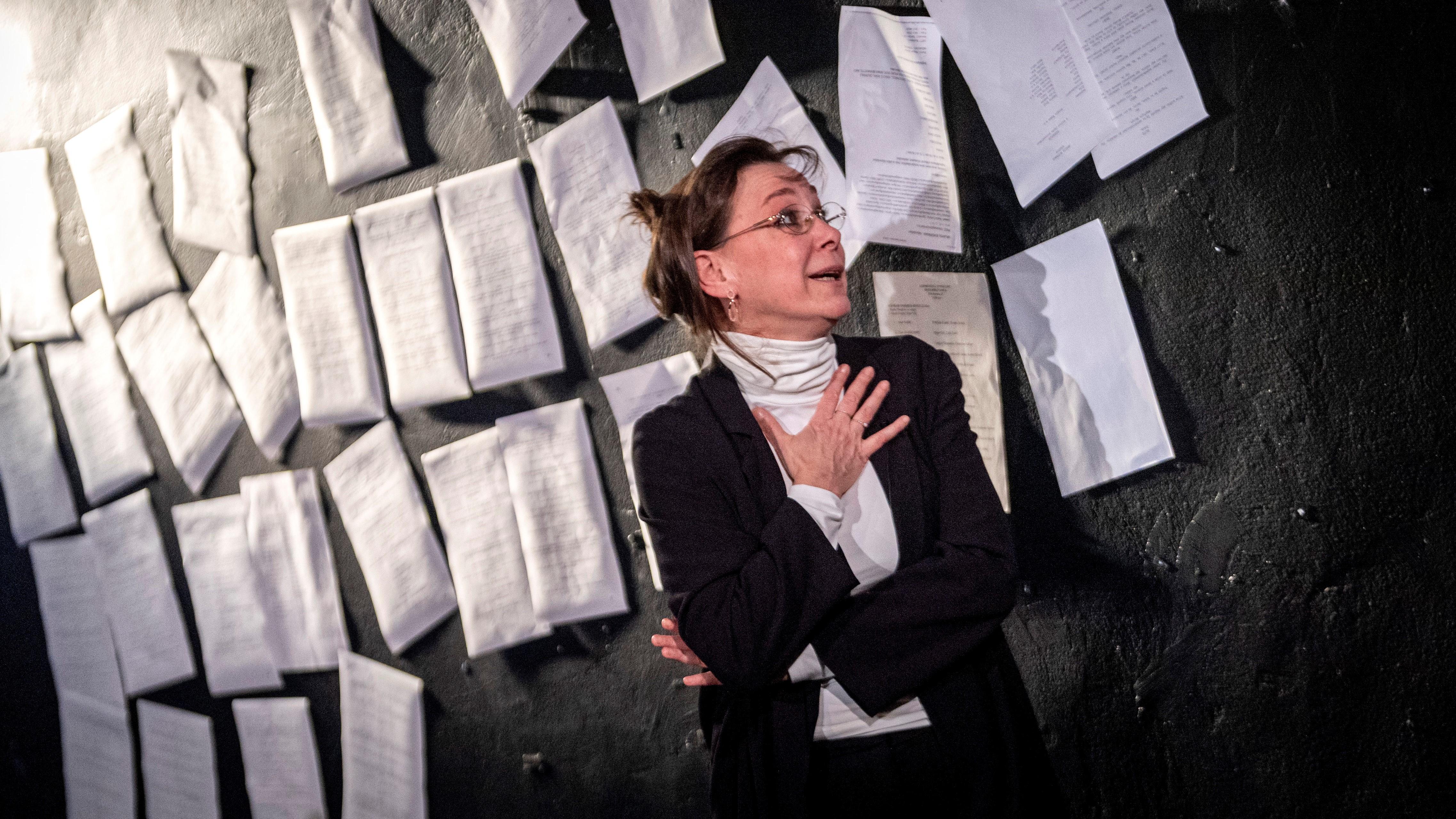 Fullajtár Andrea Anna Politkovszkaja szerepében Stefano Massini Az átnevelhetetlen című monodrámájának próbáján a budapesti Katona József Színház Sufni színpadán 2020. február 19-én.