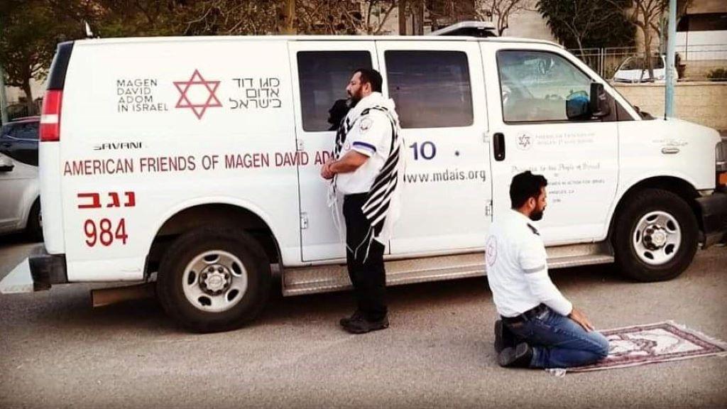 Egy kép bizonyítja, hogy a különféle vallások igenis megférnek egymás mellett