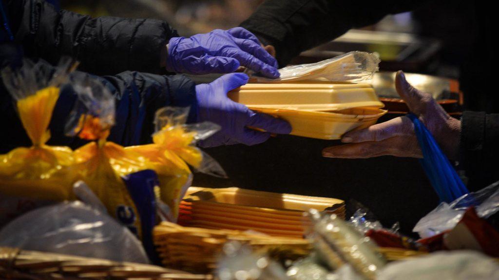 Hajléktalanokat támogat a lottómilliomos házaspár