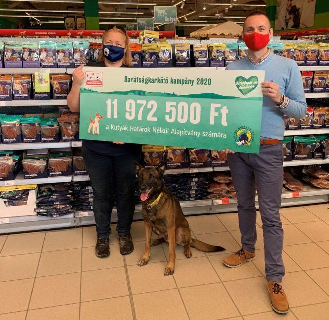 Ismét összefogtak a Fressnapf vásárlói: közel 12 millió Ft adomány a Kutyák Határok Nélkül Alapítványnak (x)