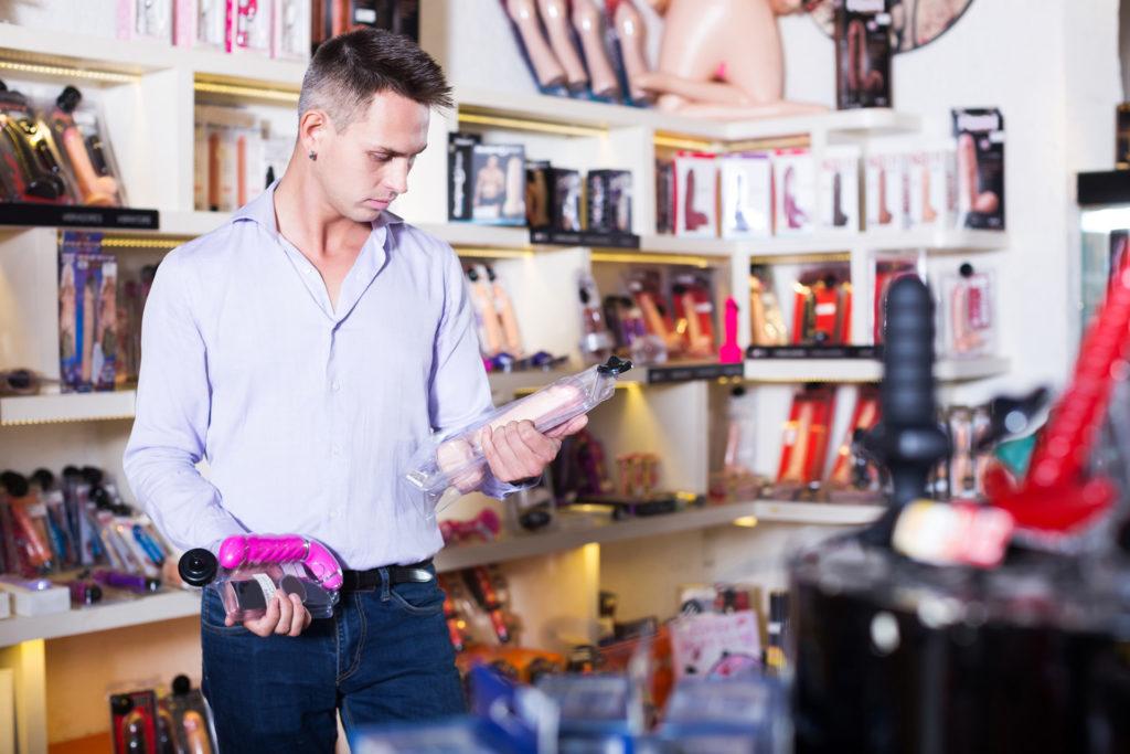 Vajon hogyan dolgozik egy intim shop eladója?