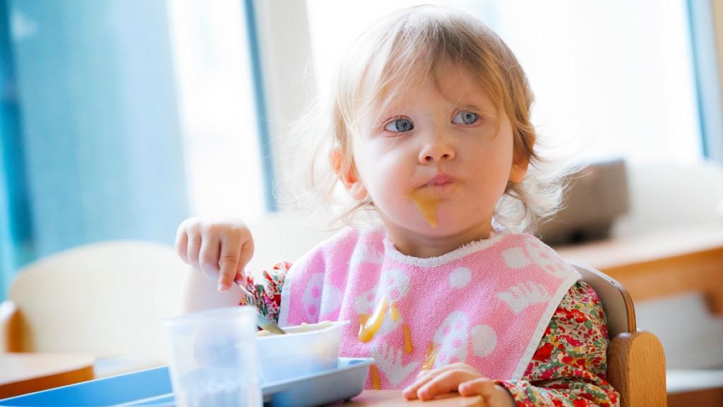 Étkezés az óvodában. Képünk illusztráció (fotó: Getty Images)
