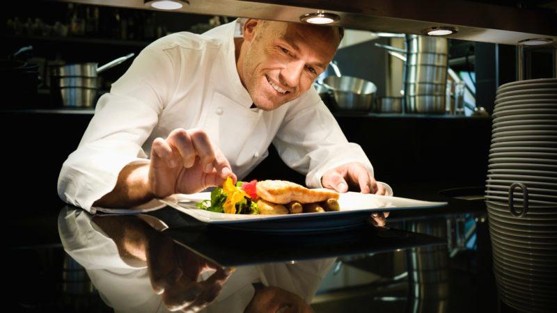 A profi séfek 14 trükkje, hogy ügyesebb légy a konyhában